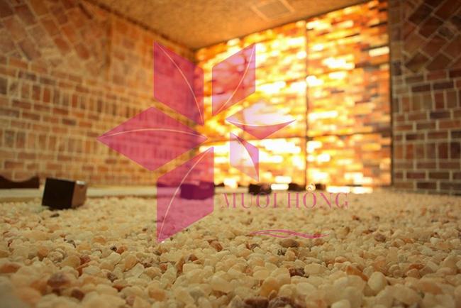 Tĩnh tâm hoàn hoàn khi ngồi thiền trong phòng xông đá muối hồng ngoại3